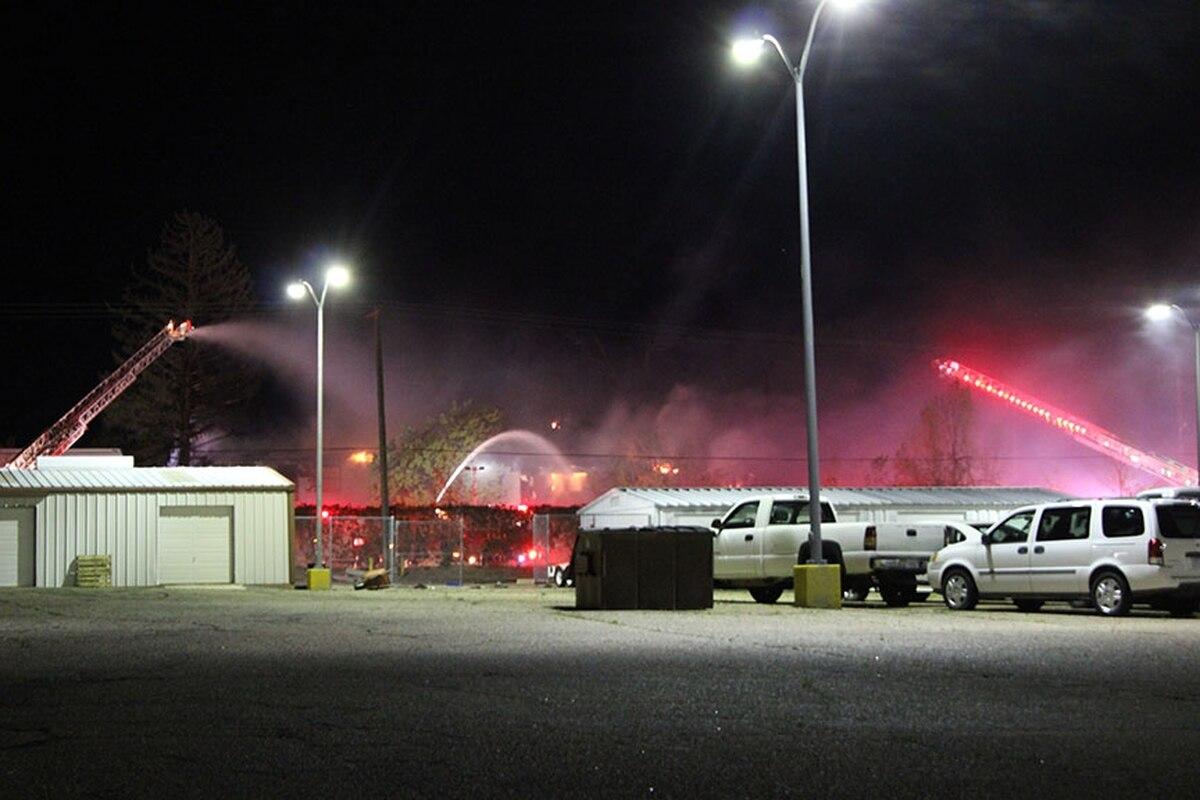 Firefighters respond the the 2-alarm fire. Anson Stevens-Bollen
