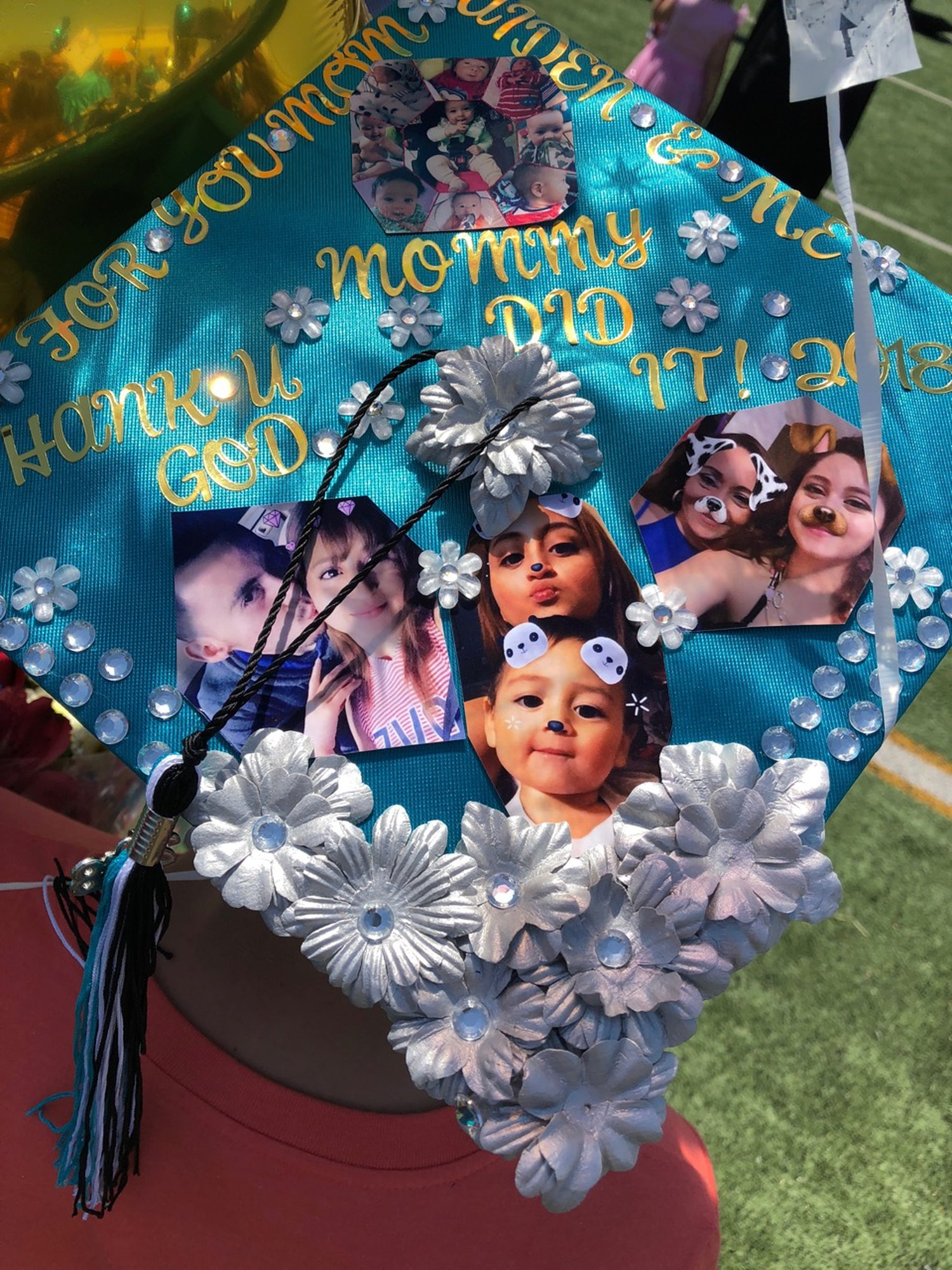 """Stephanie Solis Mendoza decorated her graduation cap with """"Mommy did it!"""""""