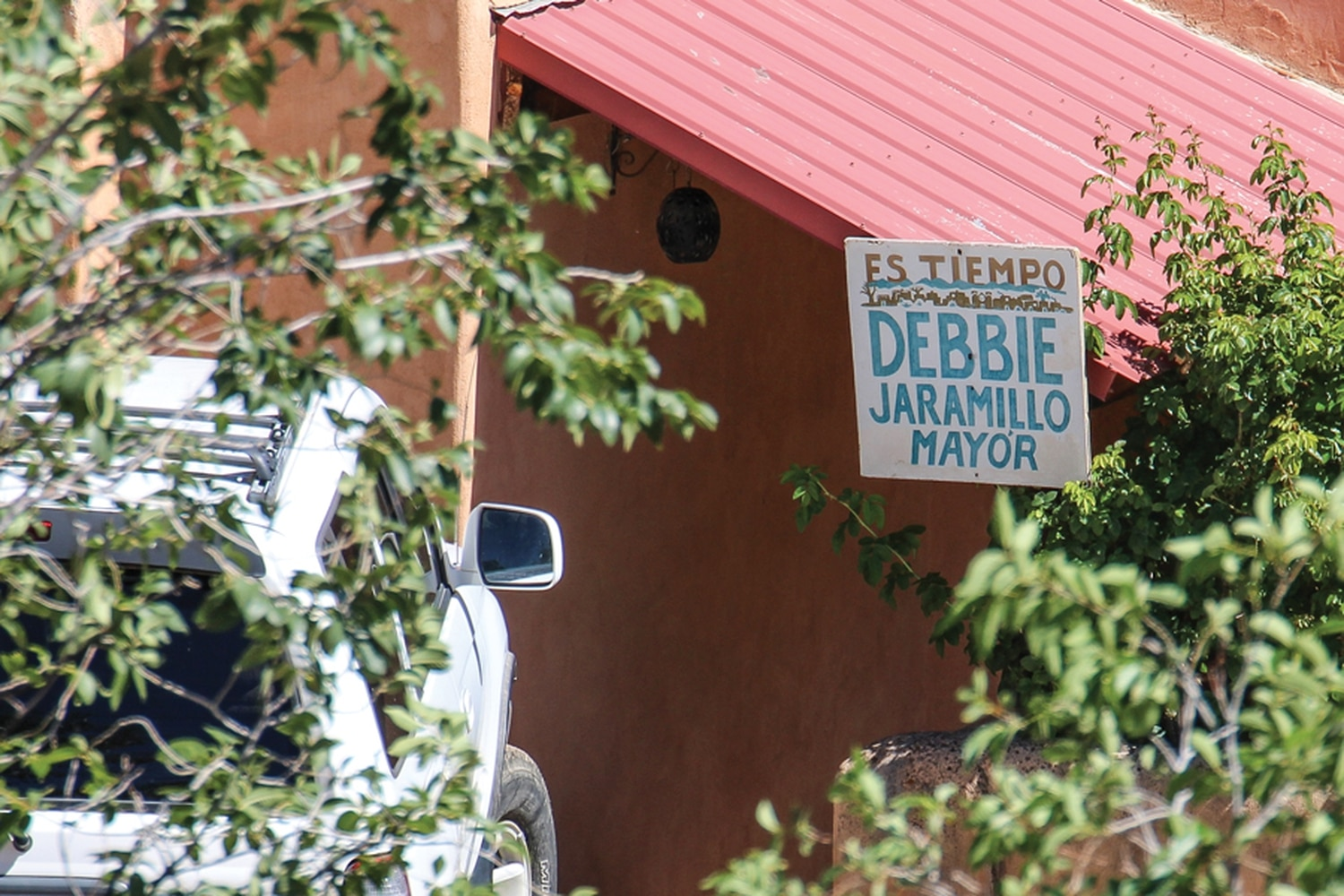 Jaramillo still has her devotees around town, such as the people in this house on Cerro Gordo Road.